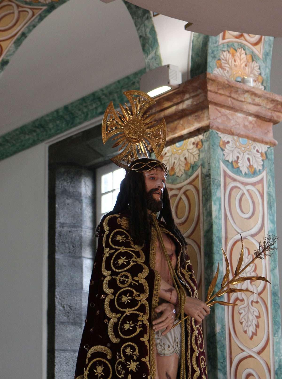 Scenes from Pico Bom Jesus festival