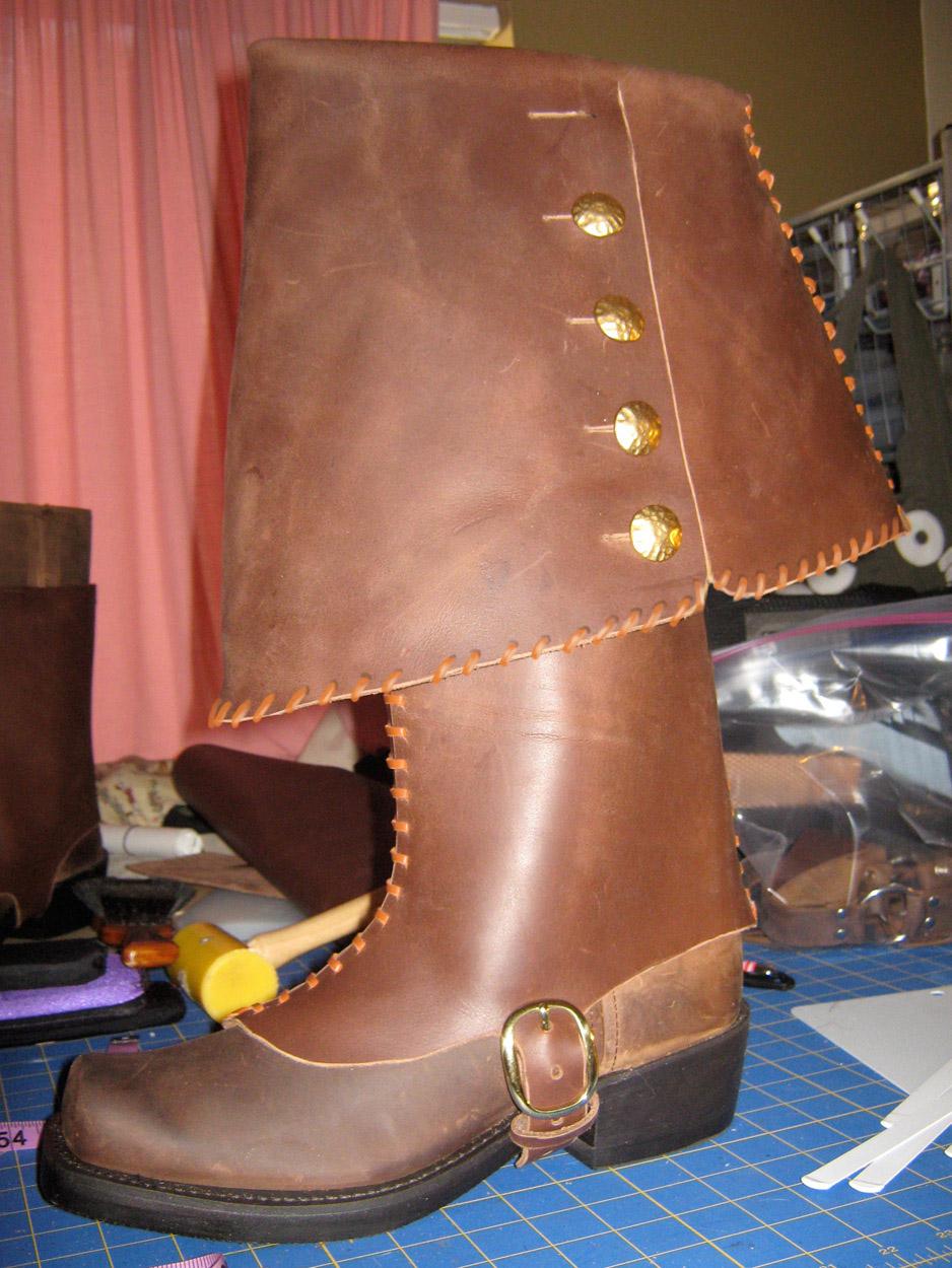 custom-pirate-boots-leather-stitching002.jpg
