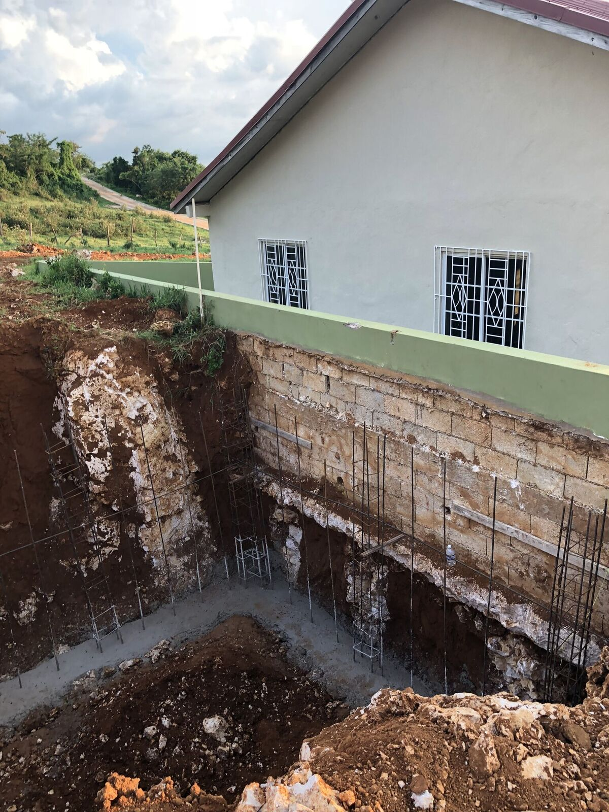 Jamaica - digging cistern2.jpeg