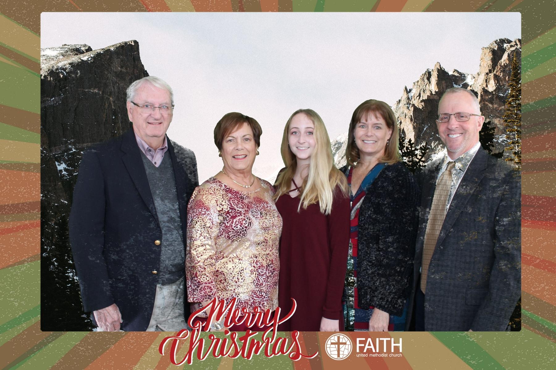 Faith2018_2018-12-24_15-22-22.jpg