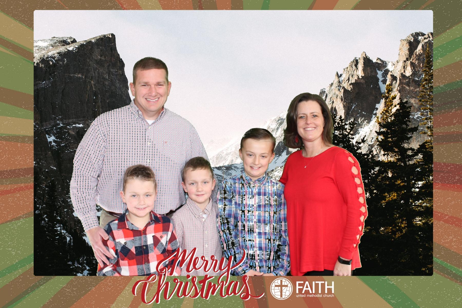 Faith2018_2018-12-24_15-26-28.jpg