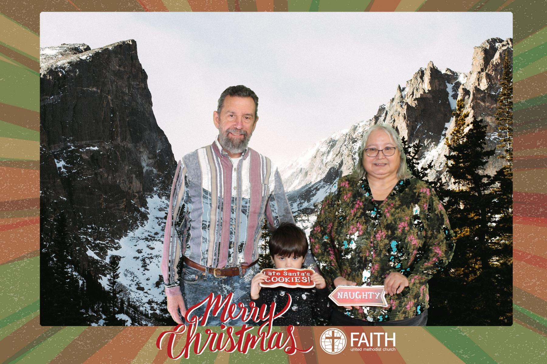 Faith2018_2018-12-24_15-33-06.jpg
