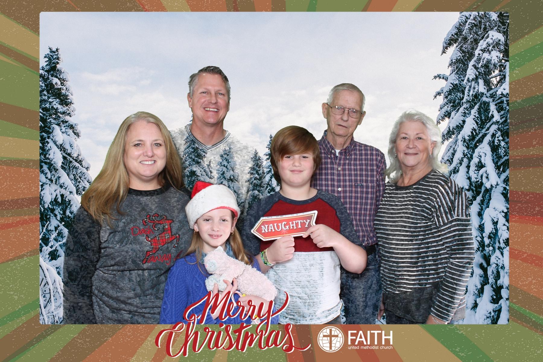 Faith2018_2018-12-24_16-44-16.jpg