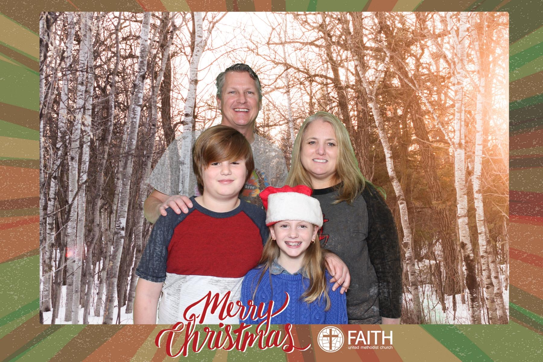 Faith2018_2018-12-24_16-56-13.jpg