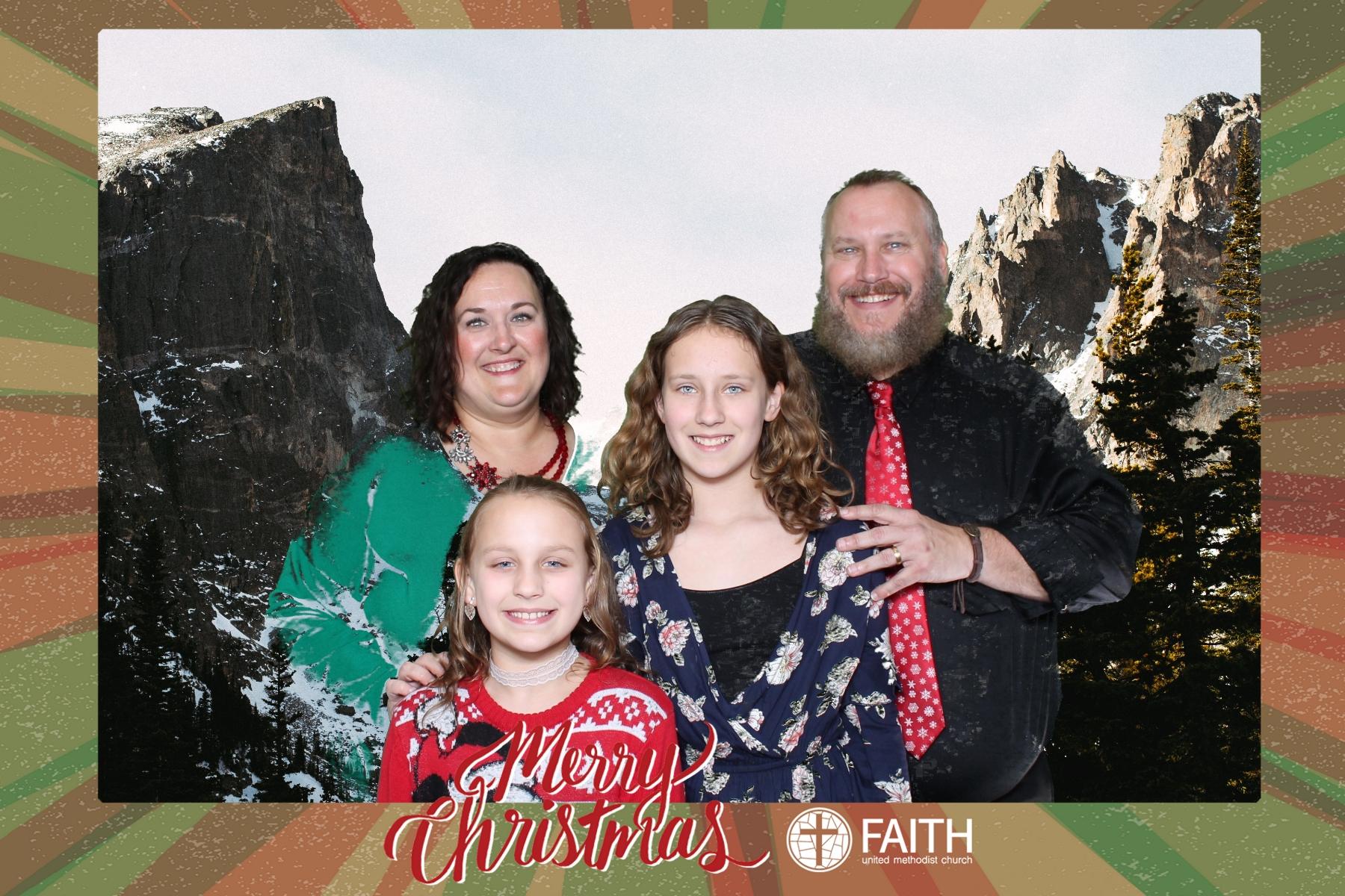Faith2018_2018-12-24_16-57-51.jpg