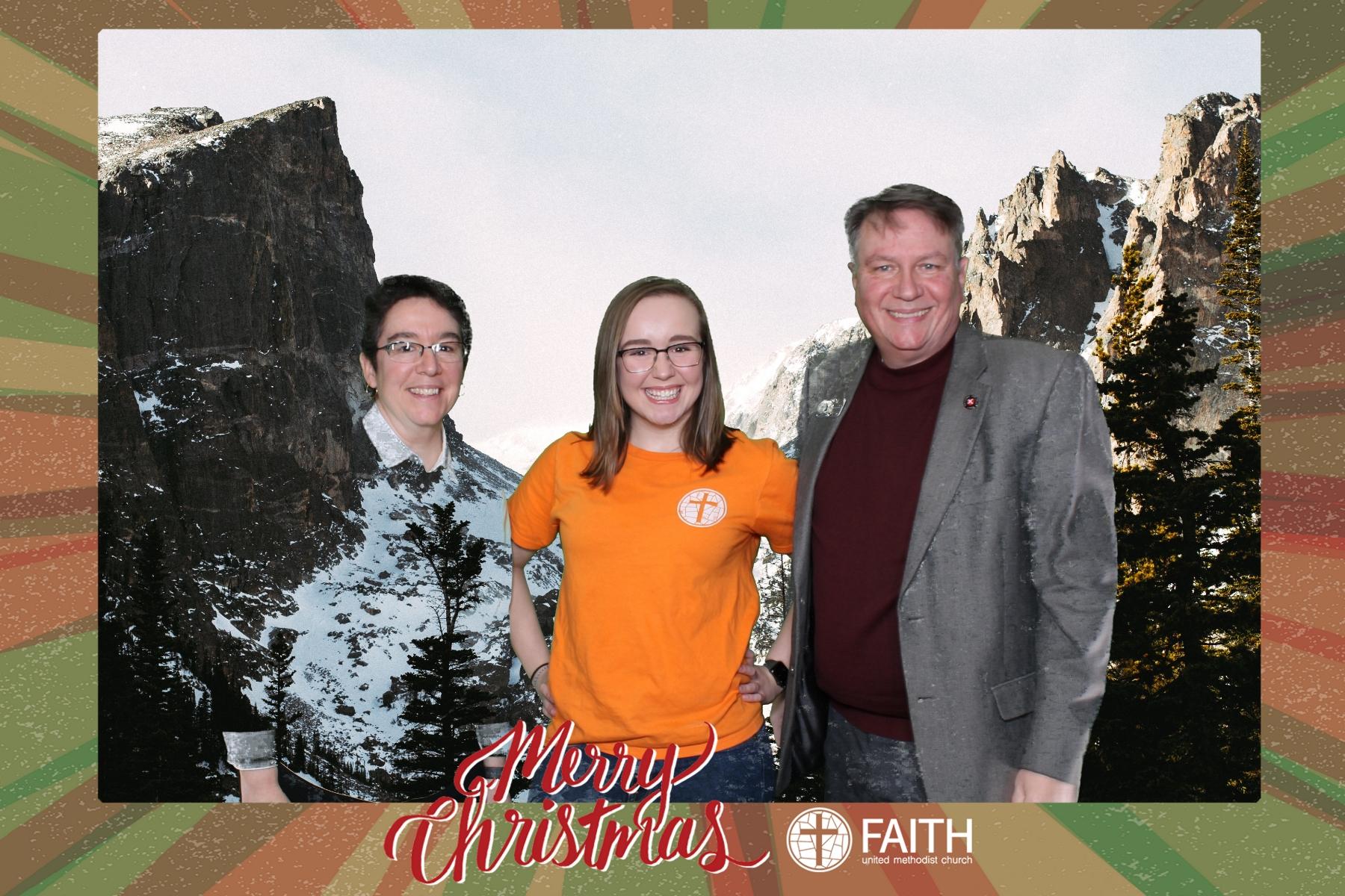 Faith2018_2018-12-24_17-08-23.jpg