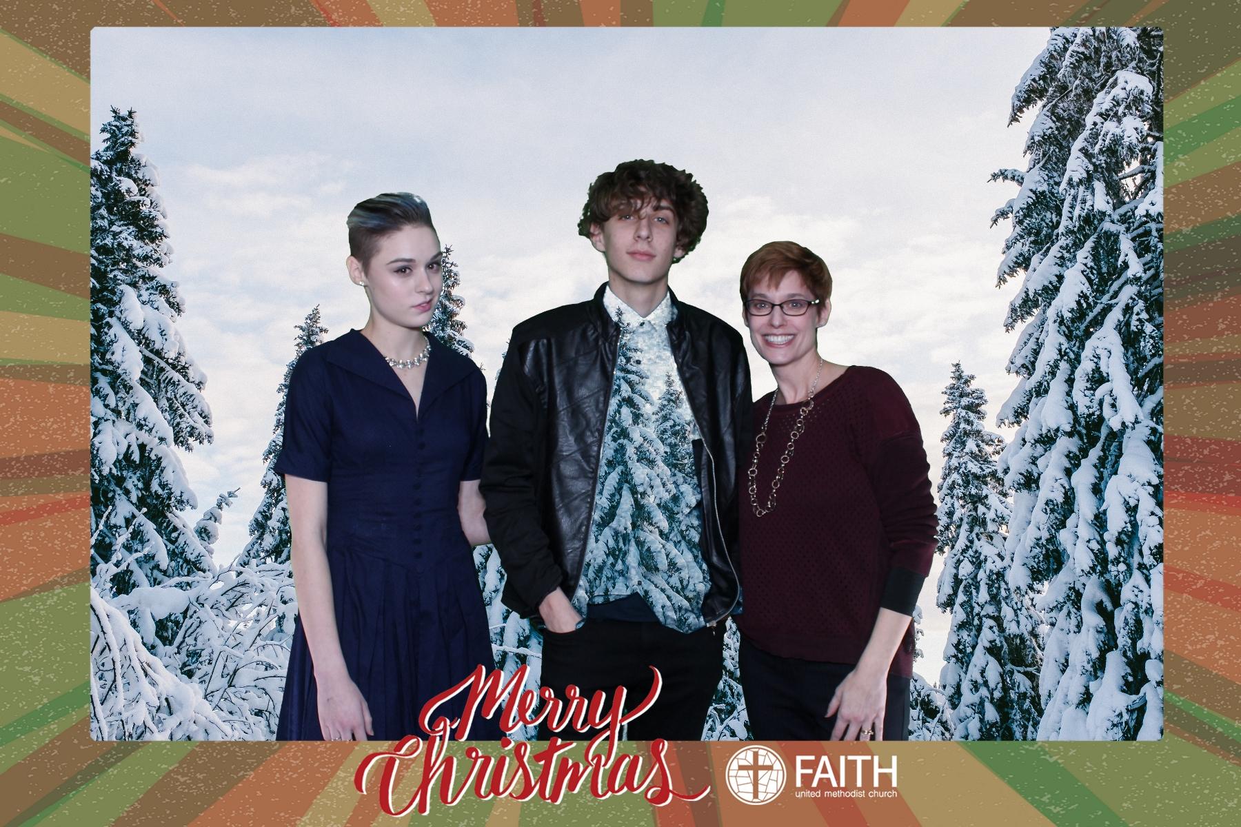 Faith2018_2018-12-24_17-24-29.jpg