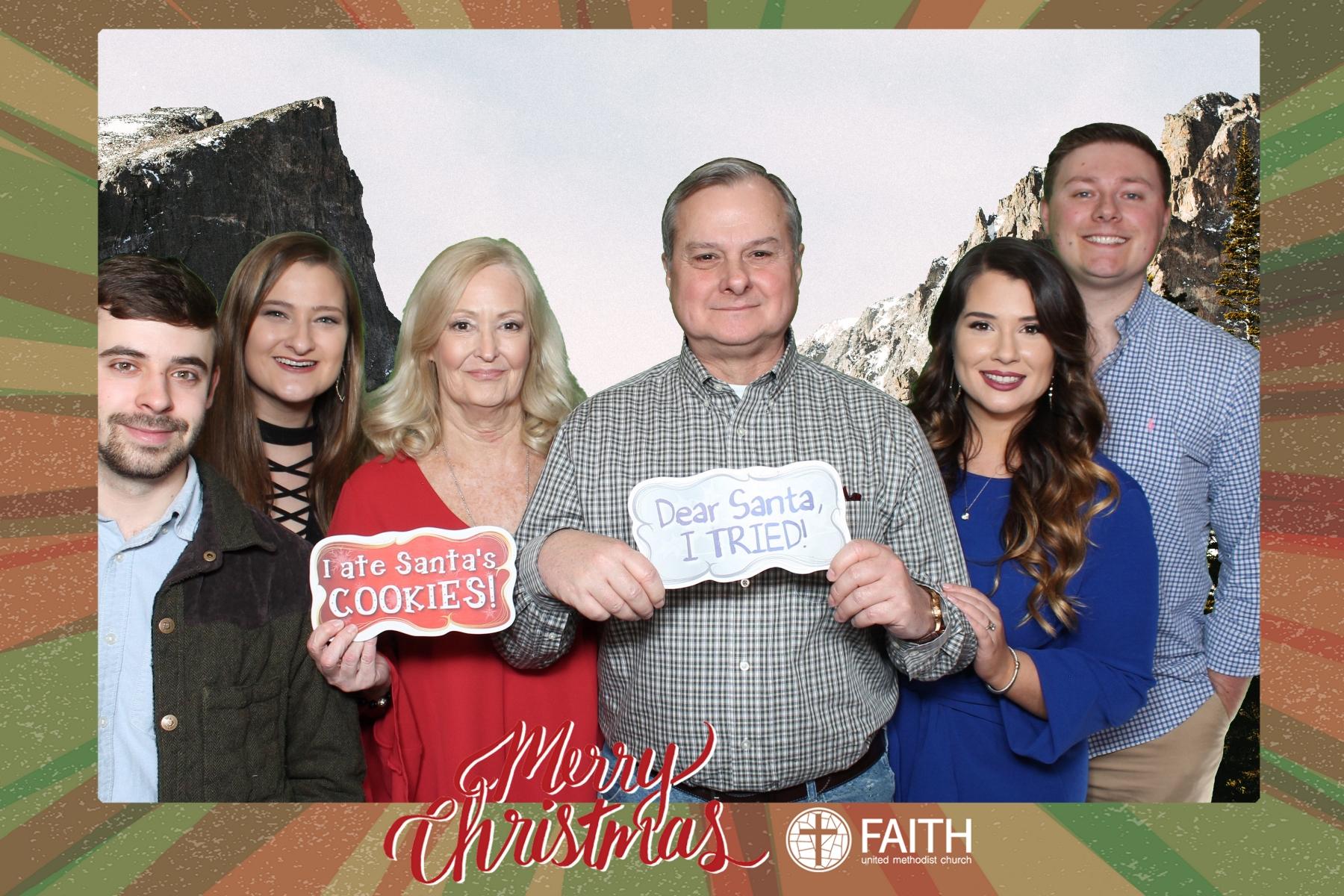 Faith2018_2018-12-24_17-28-59.jpg
