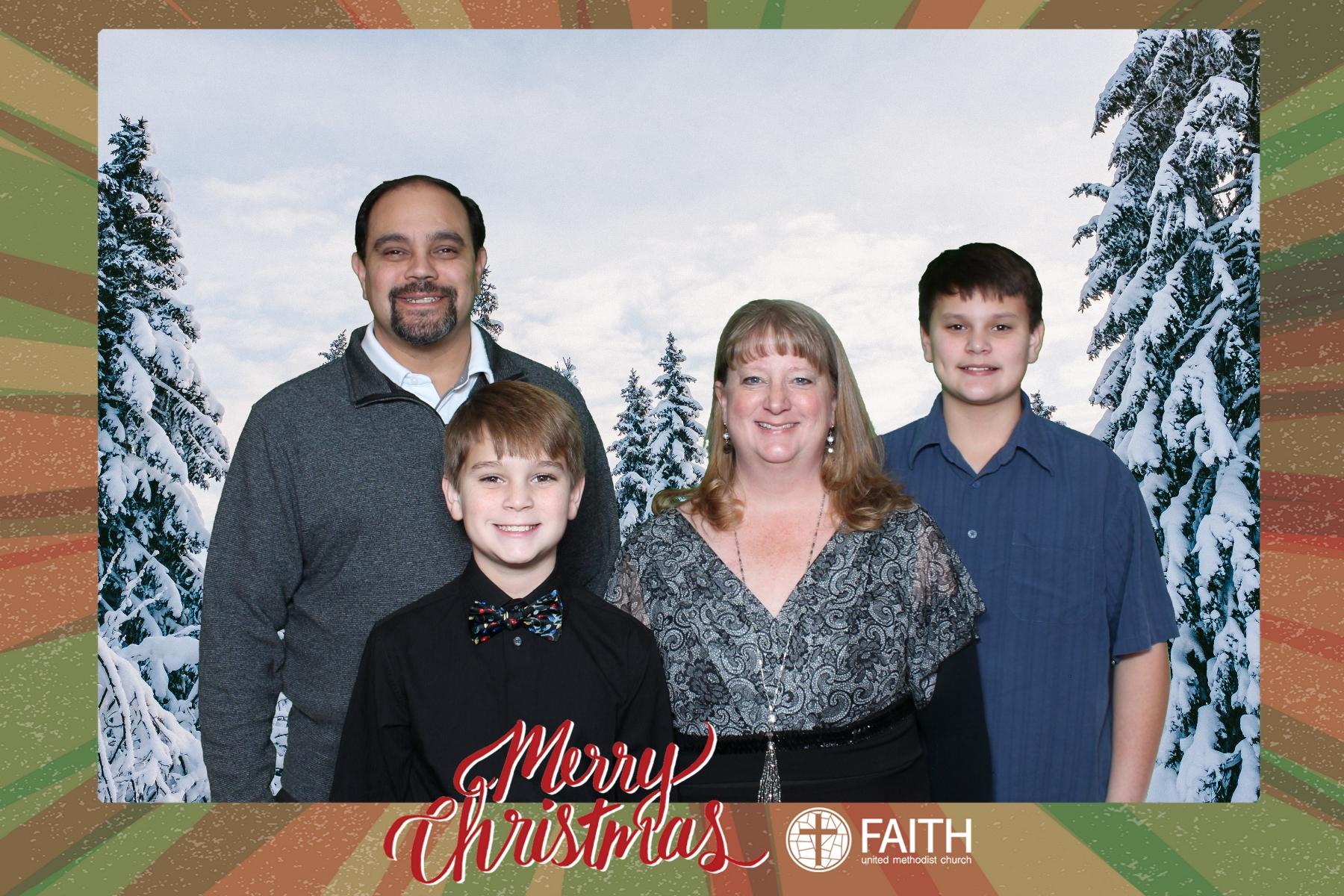 Faith2018_2018-12-24_17-33-53.jpg