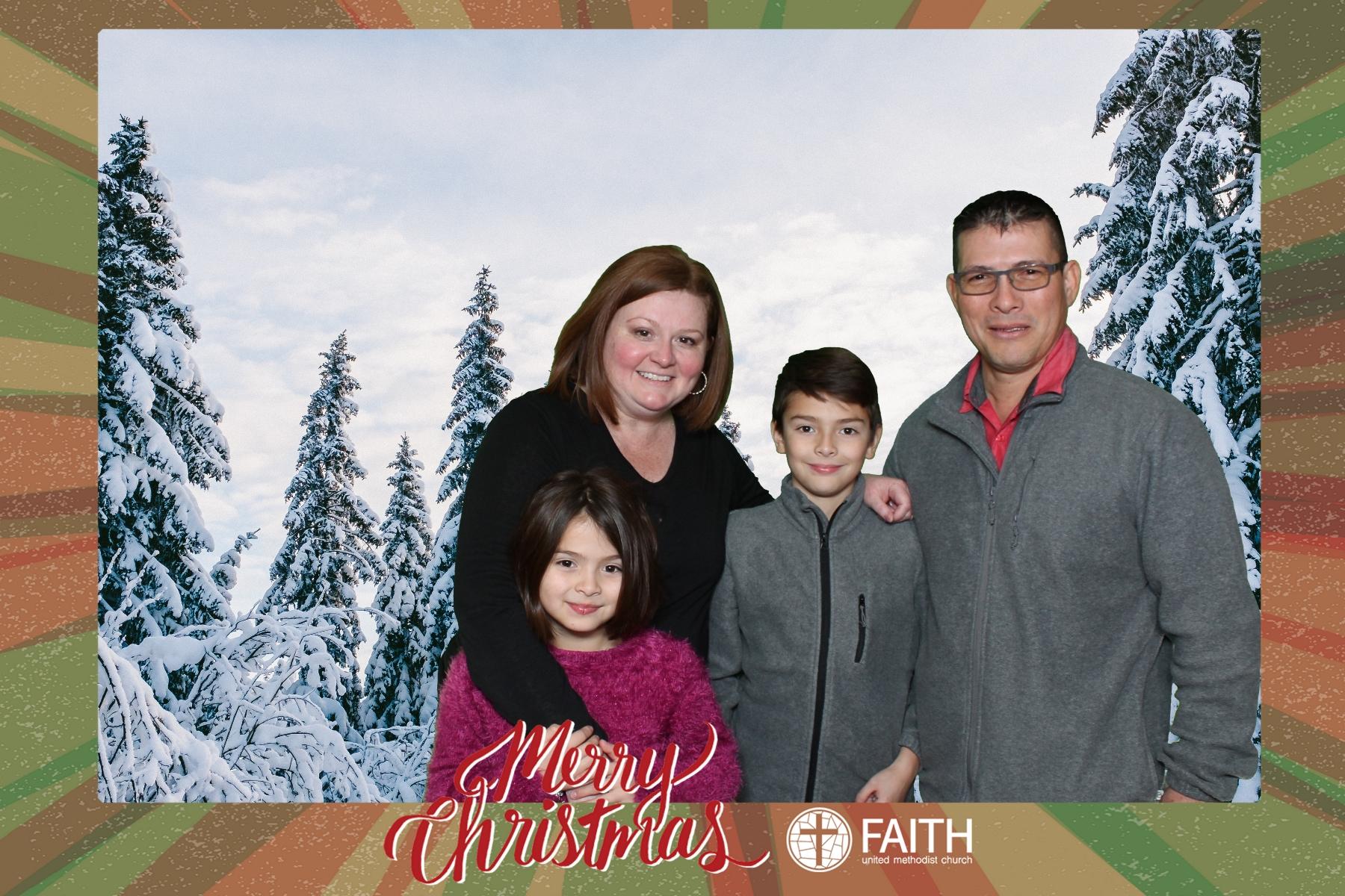 Faith2018_2018-12-24_18-47-38.jpg