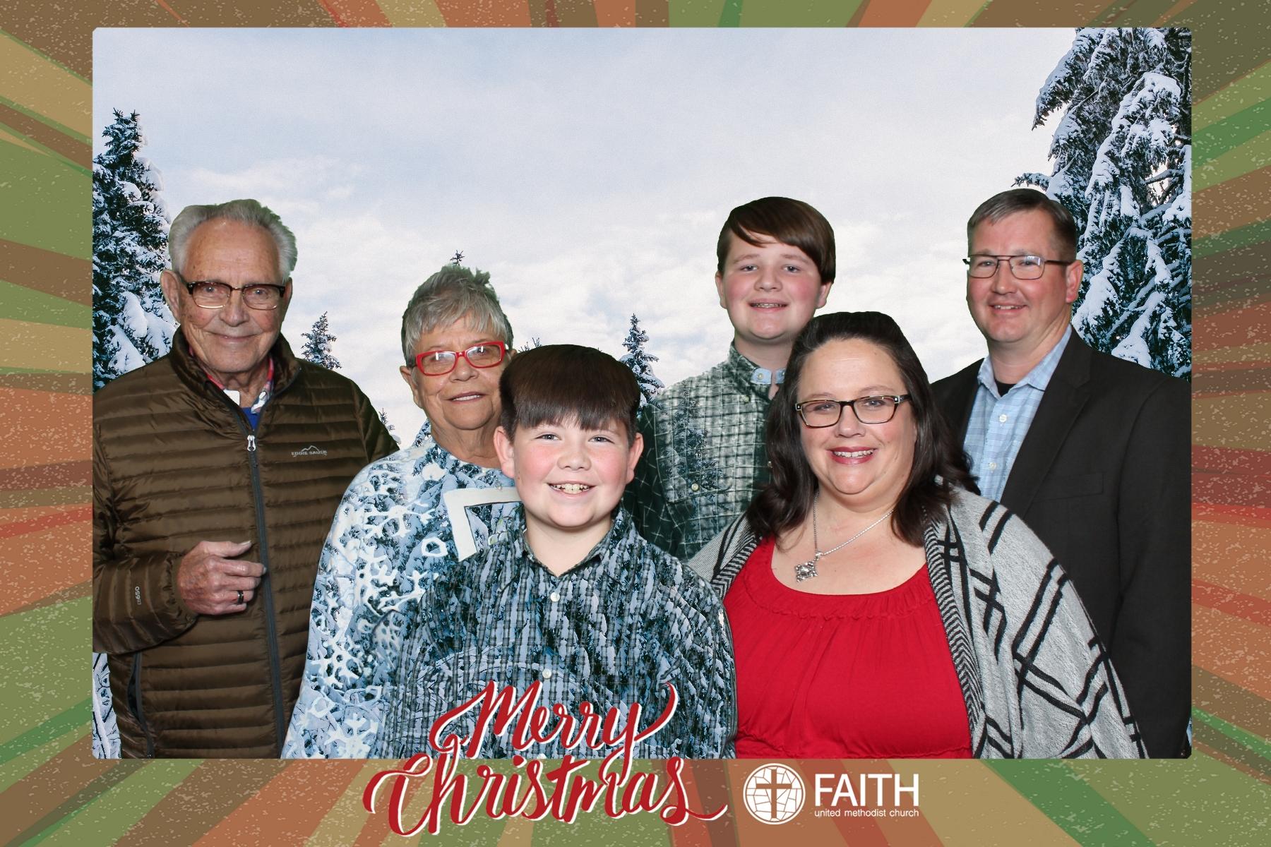 Faith2018_2018-12-24_18-50-46.jpg