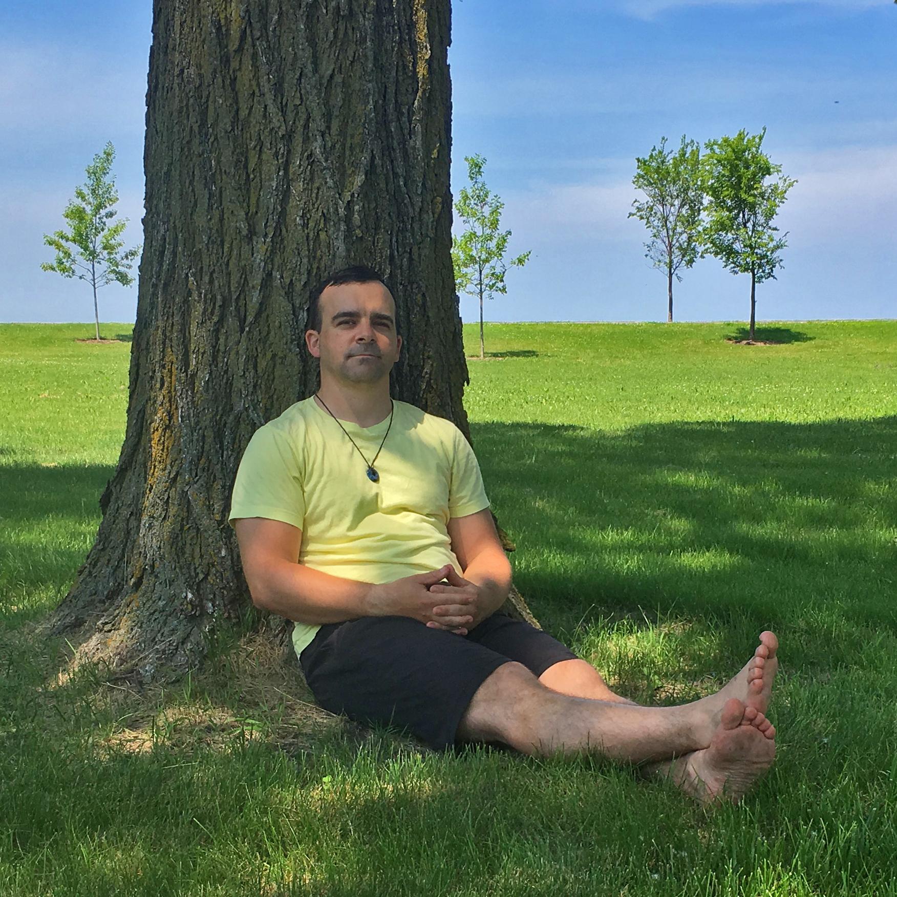 2019-adam-grossi-tree-square.jpg