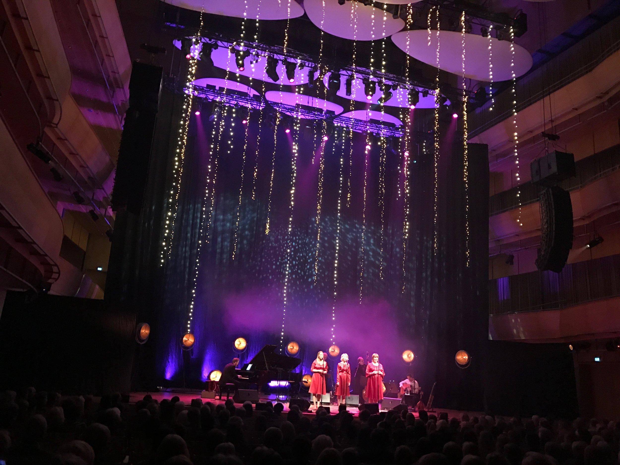 Fra søndagens Julestjerner-konsert i Fartein Valen-salen i Stavanger konserthus. (Foto: Kristin Aalen)