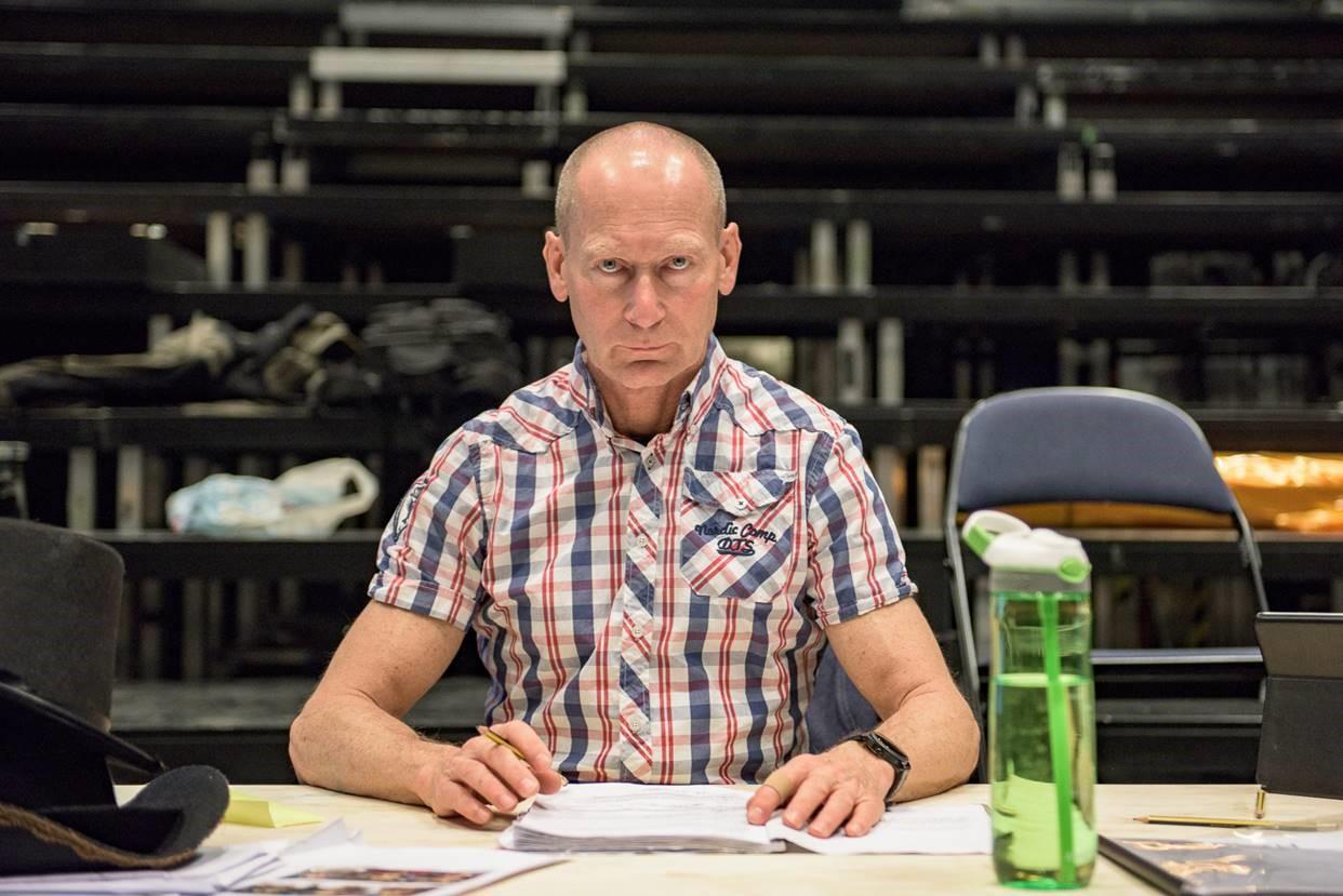 - Kunstens oppgave er å tilby andre forståelser av virkeligheten, sier instruktør Rolf Alme.