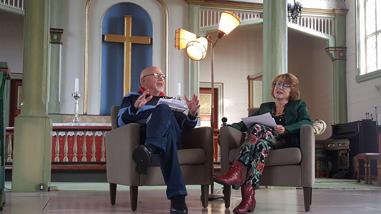 Tidligere filmkritiker i Aftenposten og tidligere filmkritiker i Stavanger Aftenblad, Kristin Aalen, nå redaktør for kulturkritikk.no, i samtale i Skåre kulturkirke under Den norske filmfestivalen i Haugesund.
