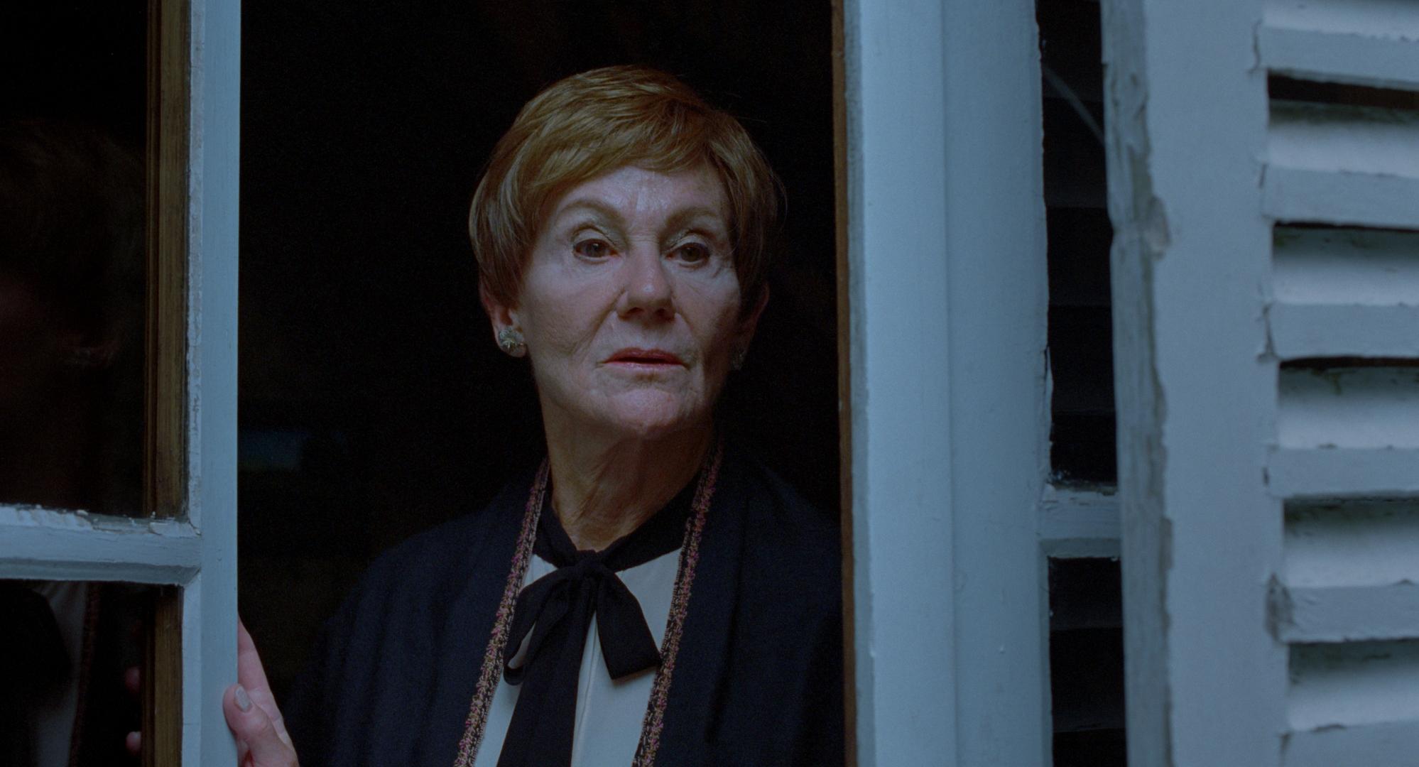 Bente Børsum fikk pris for sin rolle i  Sensommer  (bildet). Nå er hun også med i Dahlsbakkens komedie  Rett vest.