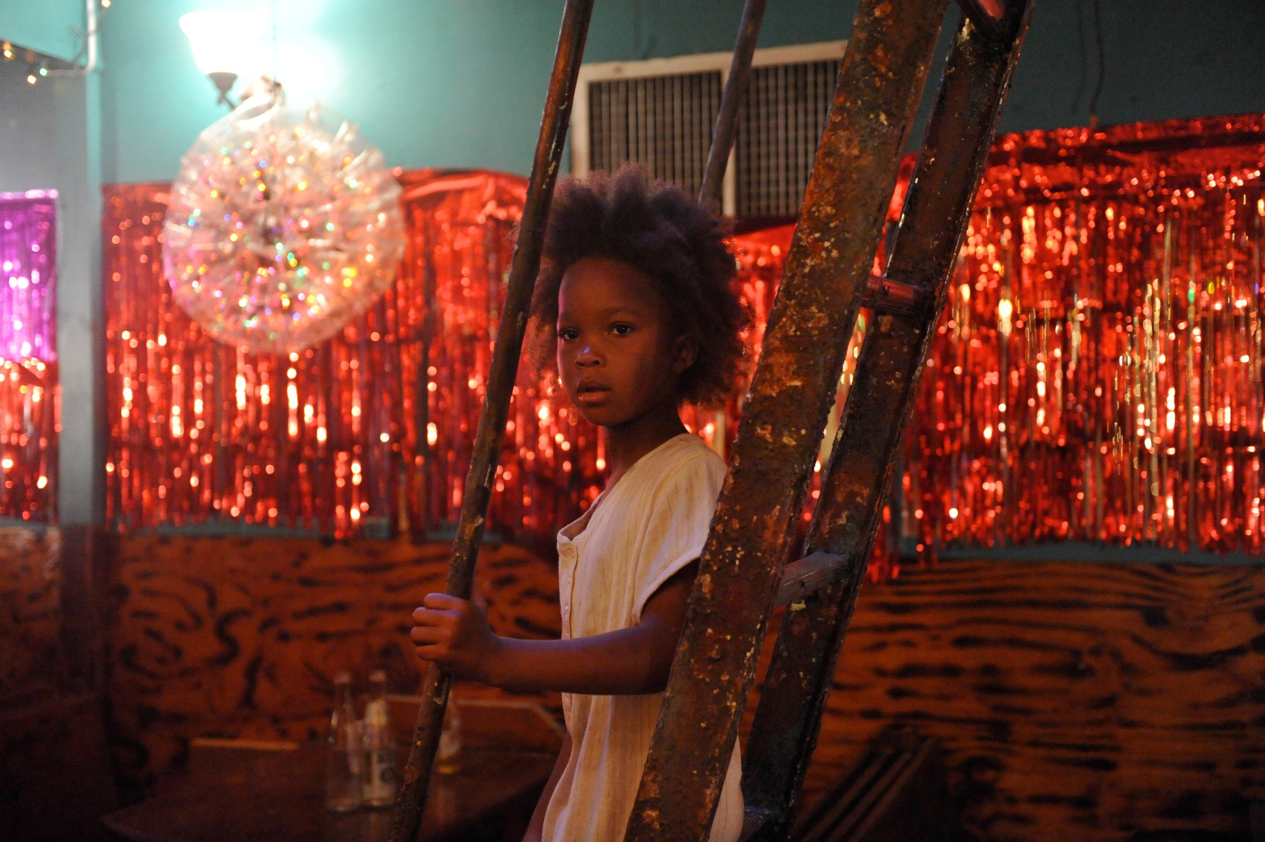 9 år gamle Quvenzhané Wallis i rollen som Hushpuppy i filmen  Beasts of the Southern Wild  (2012).