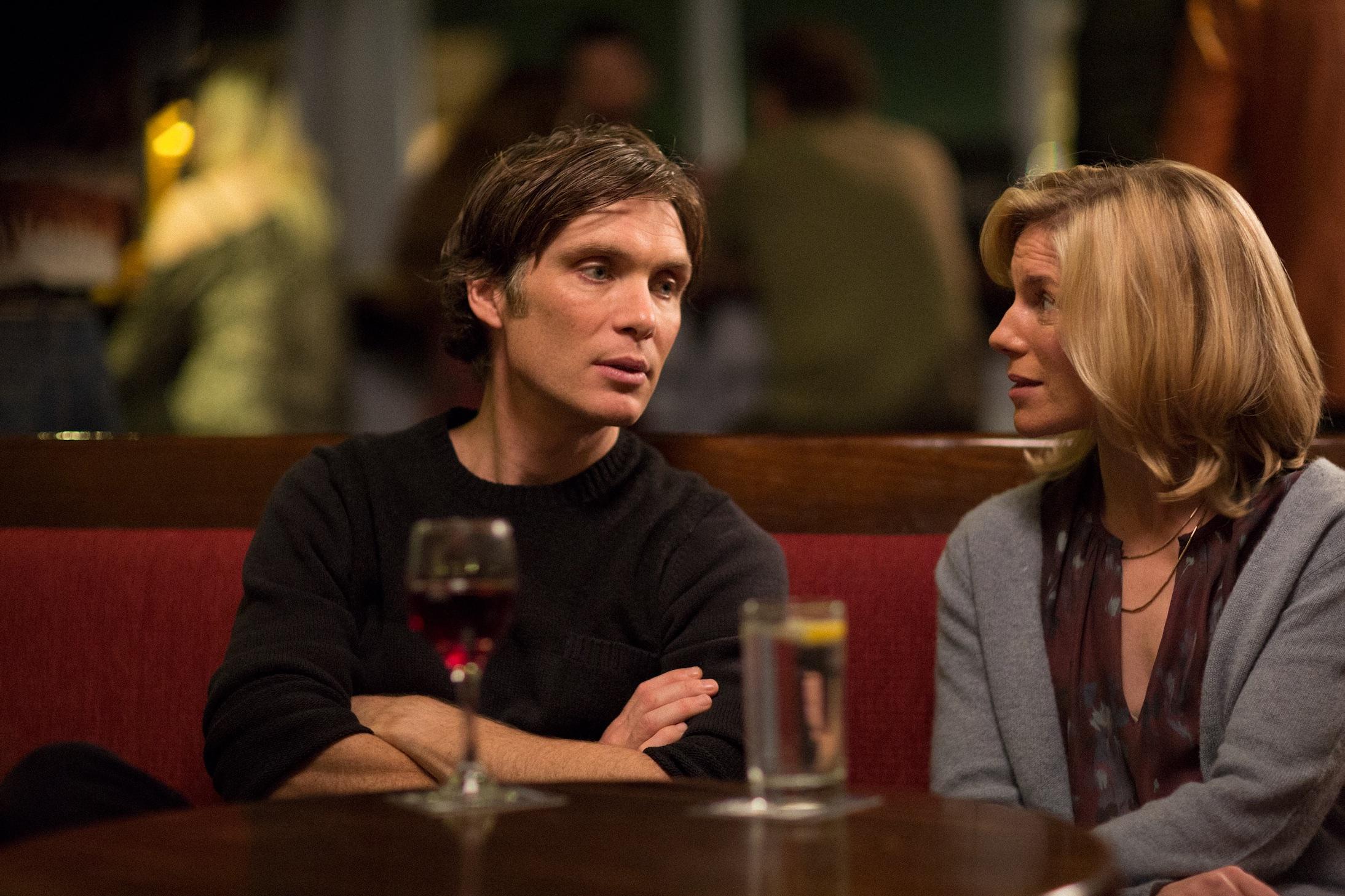 Jim (Cillian Murphy) og Daniella (Eva Birthistle) lever i et tilsynelatende perfekt ekteskap.