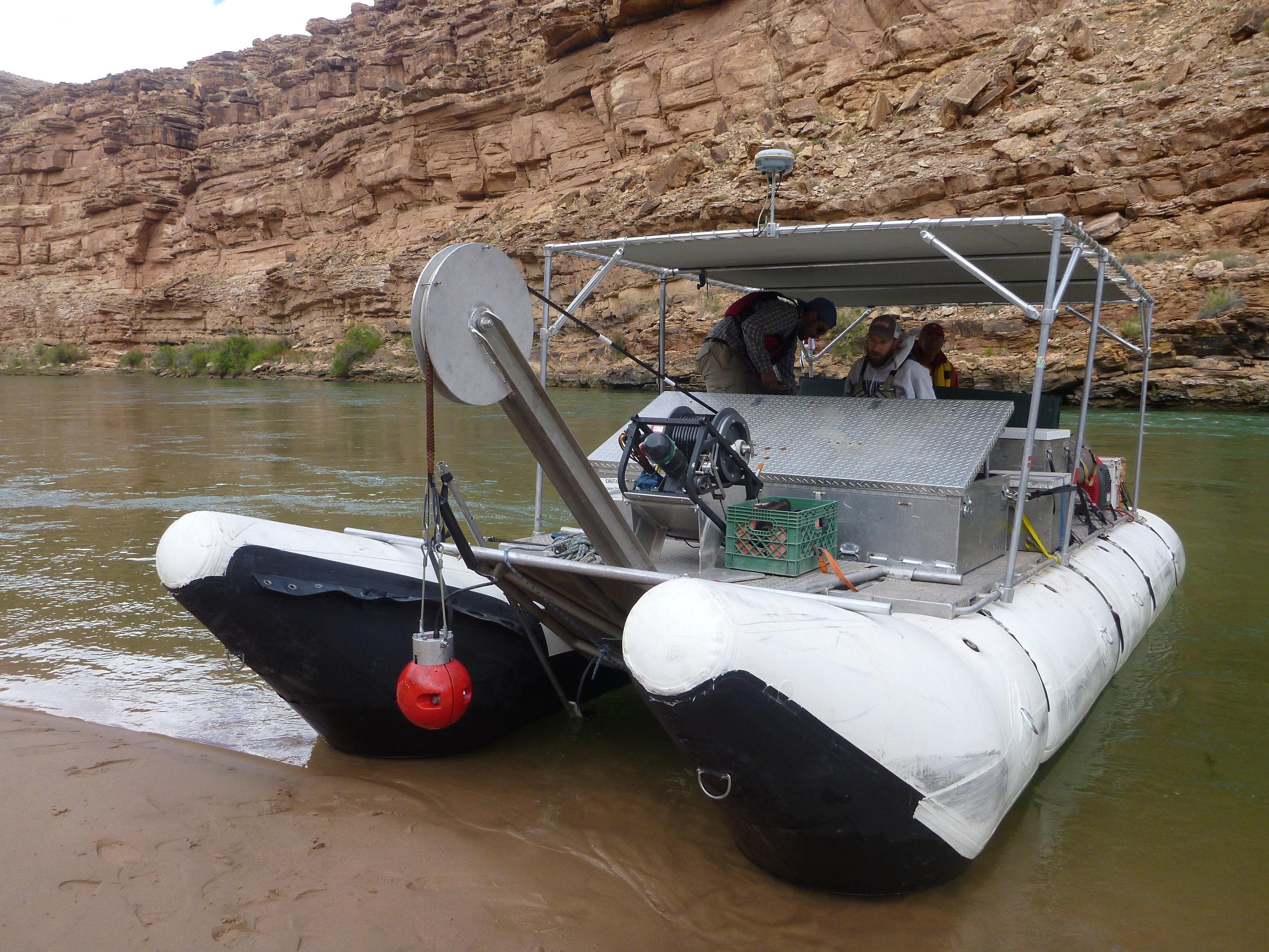 lobos_boat1.jpg