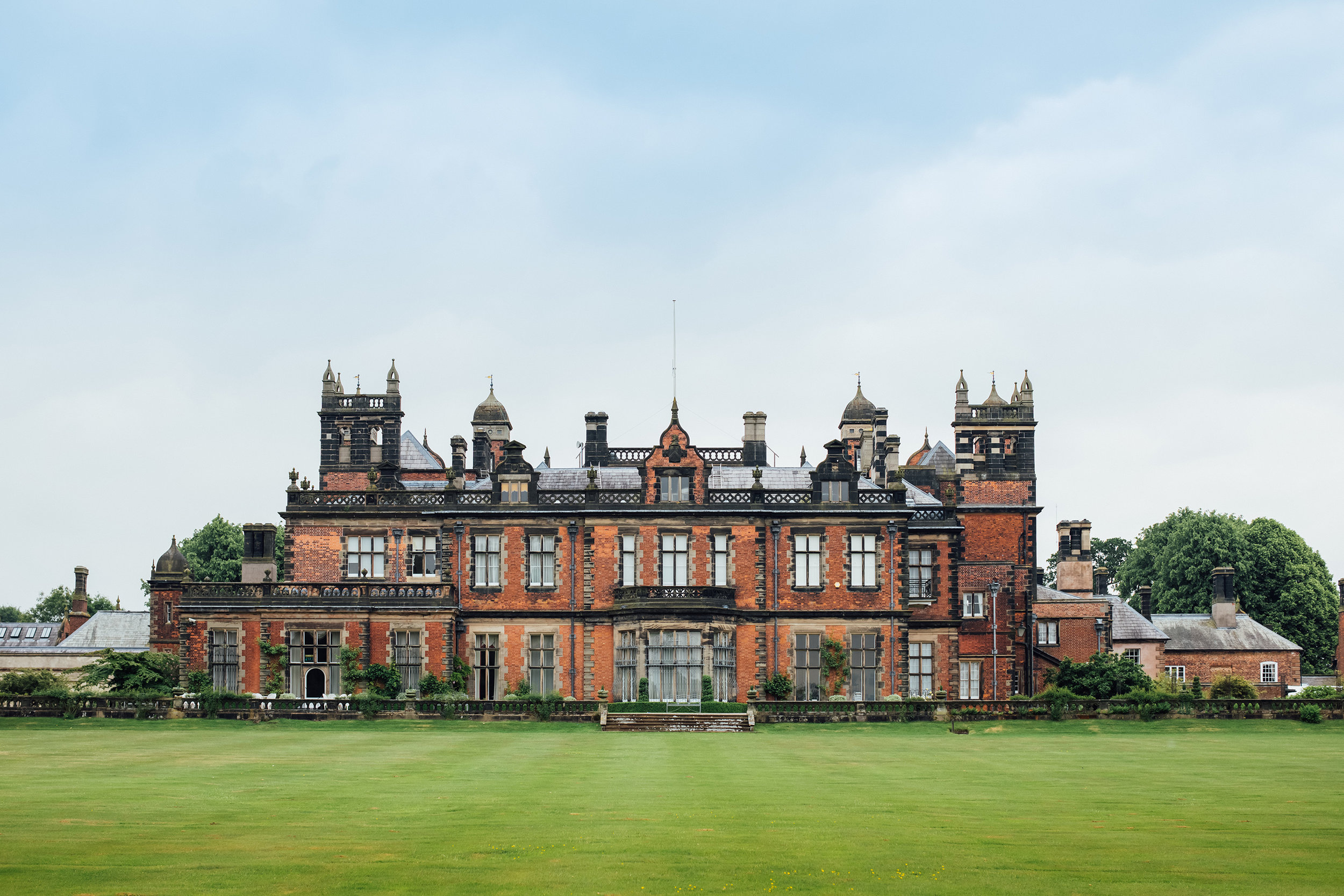 The beautiful Capesthorne Hall, the grounds of which become home to BCDO!  ©Big Church Day Out