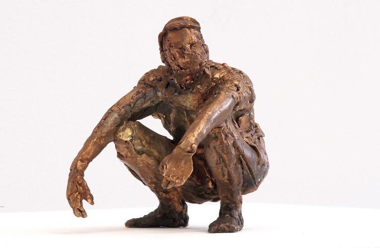 Hockender, Bronze, 2005, 12 cm
