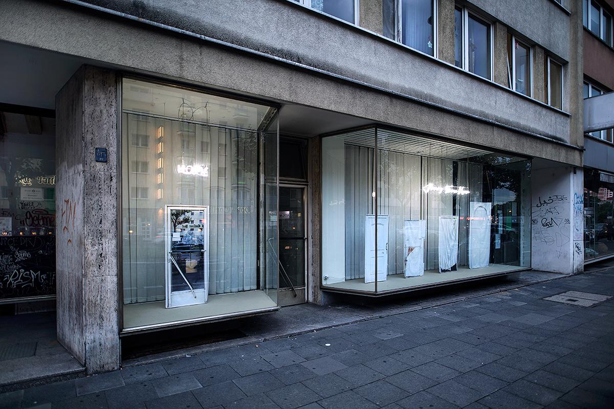 Installationsansicht, Home Away From Home, Sightfenster/Cityleaks Festival, Lia Sáile, Köln,2017