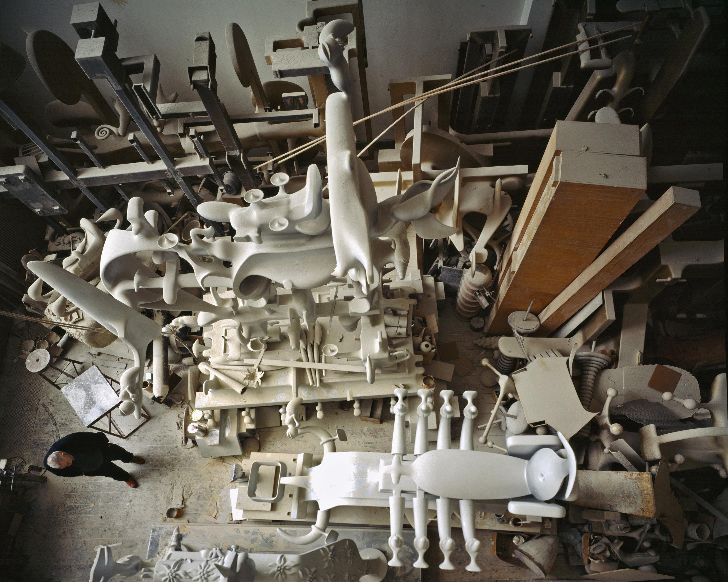 Bruno Gironcoli in seinem Atelier, Kurzbauergasse, Wien, 1997, Architekturzentrum Wien, Sammlung, Foto: Margherita Spiluttini