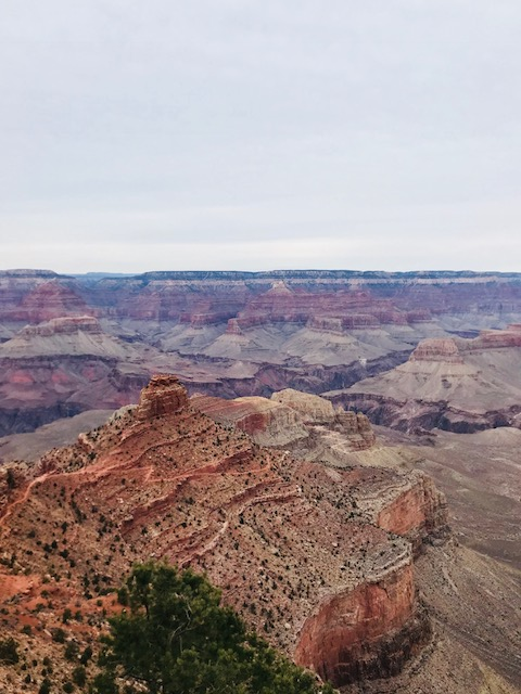 South Kaibab trail down into the Grand Canyon