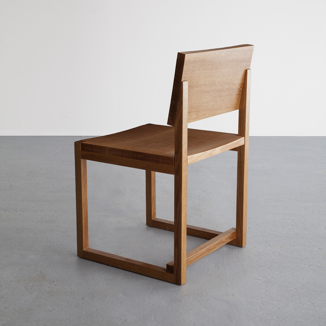 SQ1 Dining Chair in white oak by David Gaynor Design