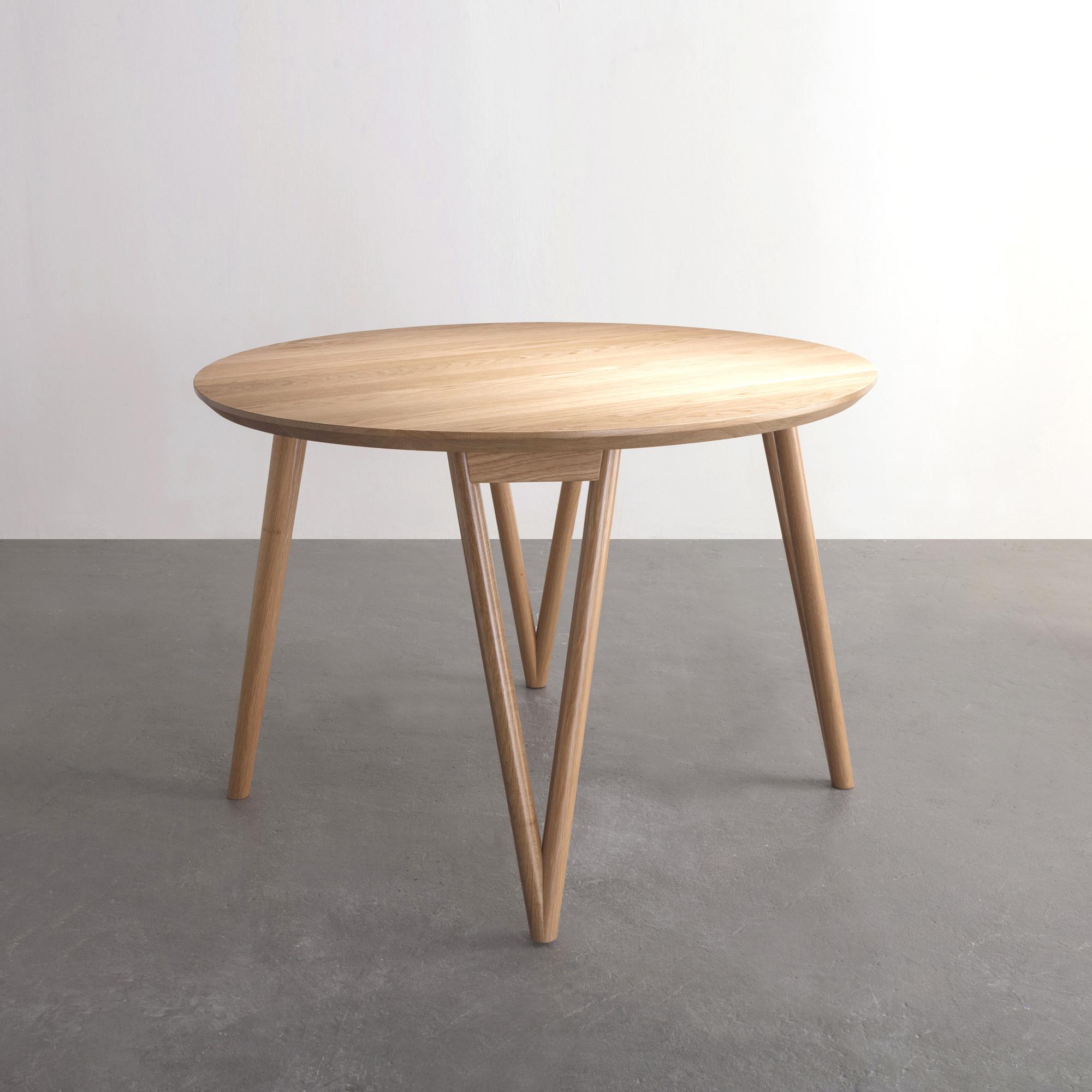 Hair Pin Table 42 in oak