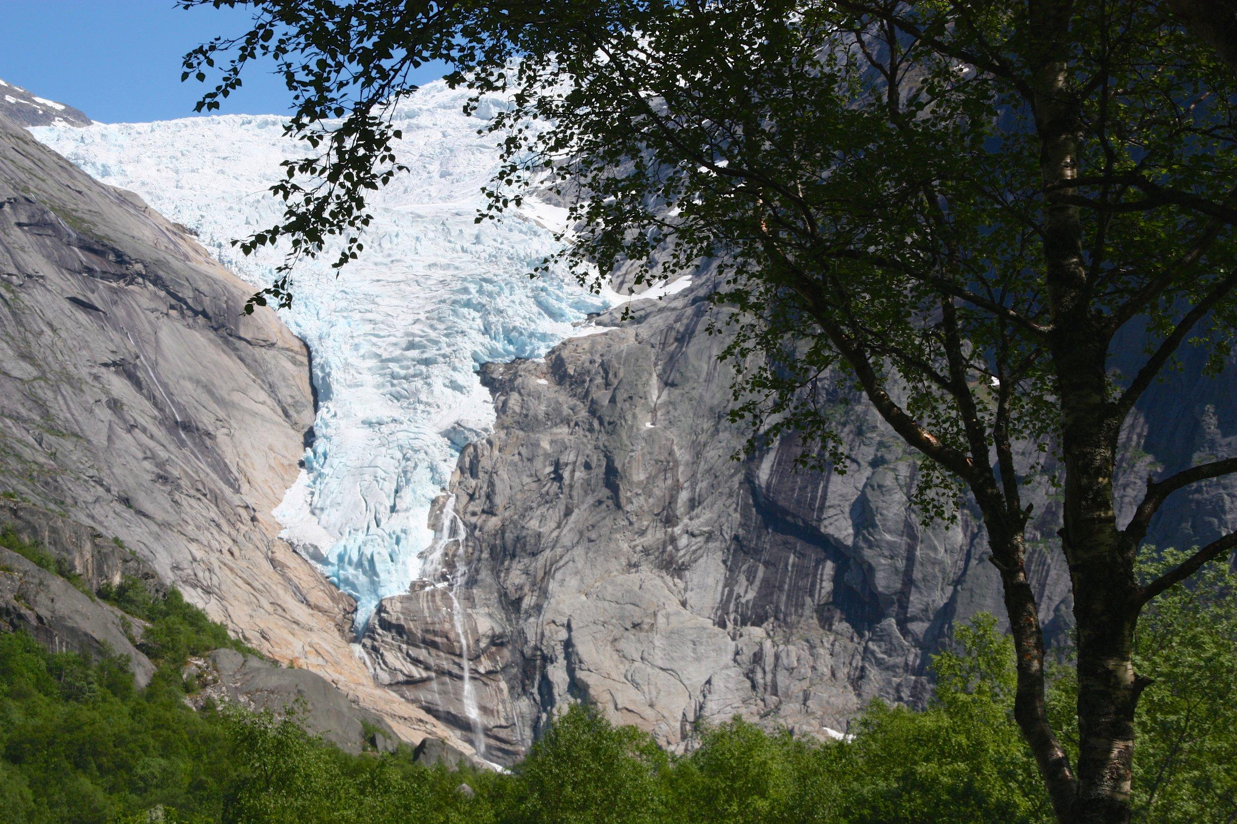 Melkevoll Bretun liegt direkt am weltberühmten Gletscherarm Briksdalsbreen