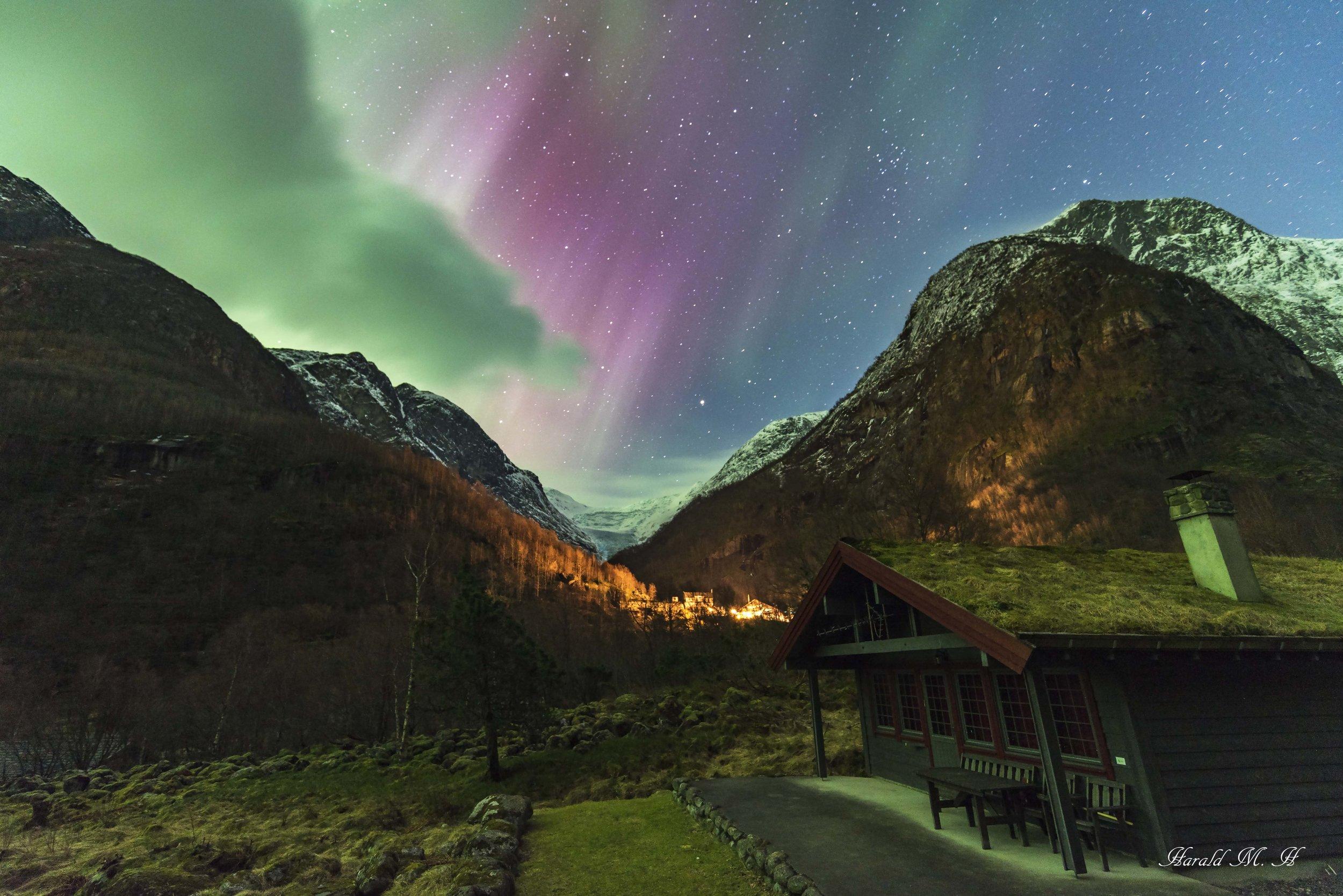 aurora Briksdal.jpg