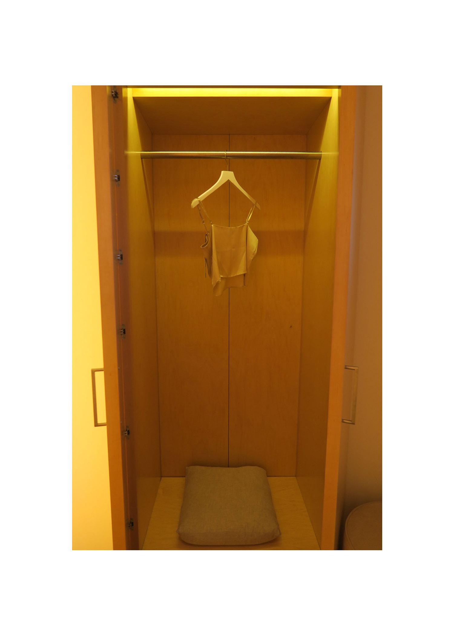 fitting room2.jpg
