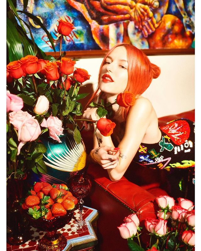 🌹🌷🌹 To celebrate International Women's Day ❣️@chronicflowers for @papermagazine with my⚡️twins @discountuniverse 🌺🌸💖🌼🌻