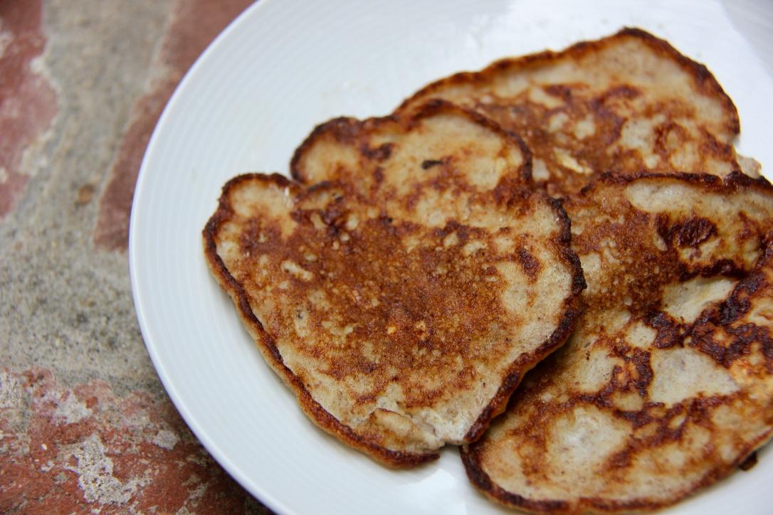 banana_applesauce_pancakes