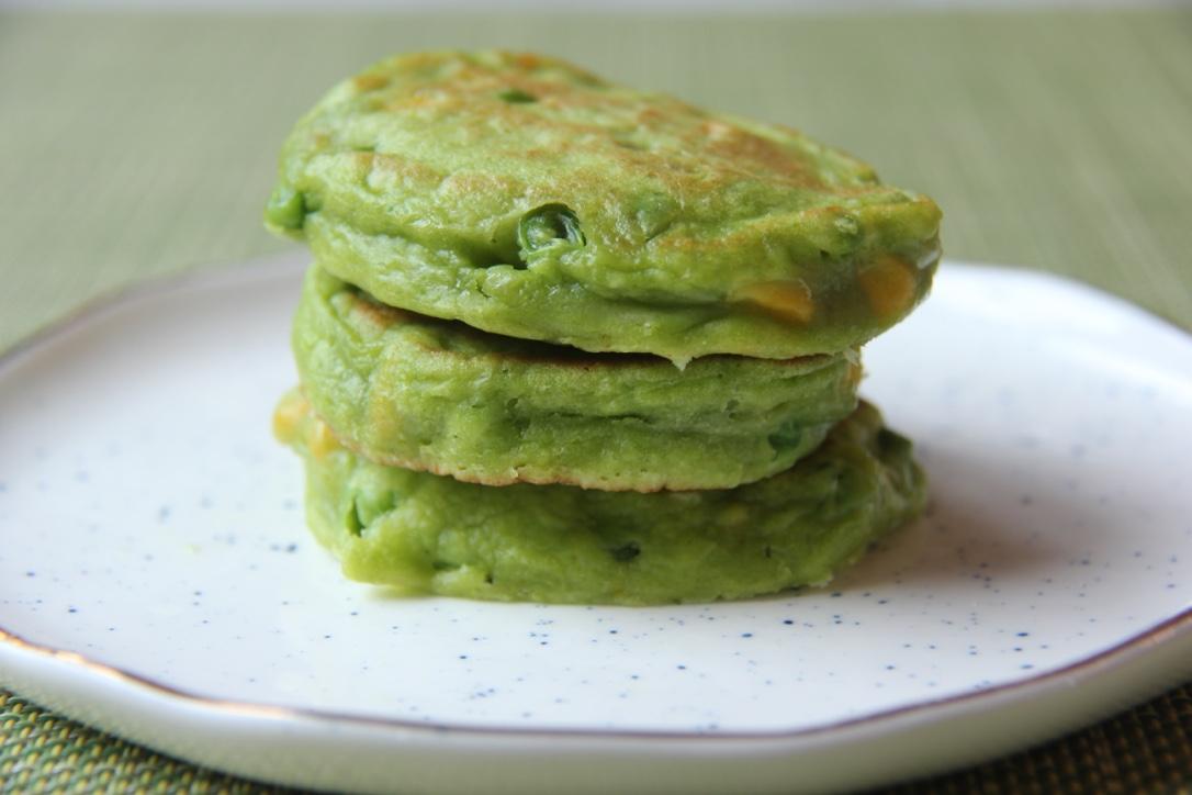 pea-corn-pancakes