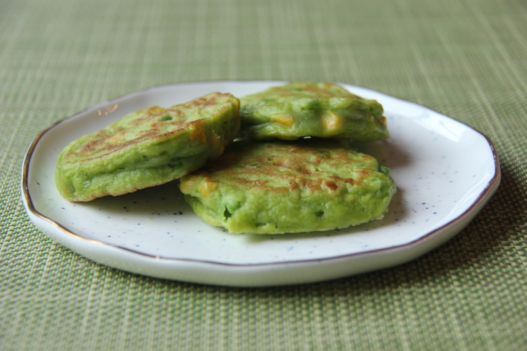 pea-corn-pancakes2