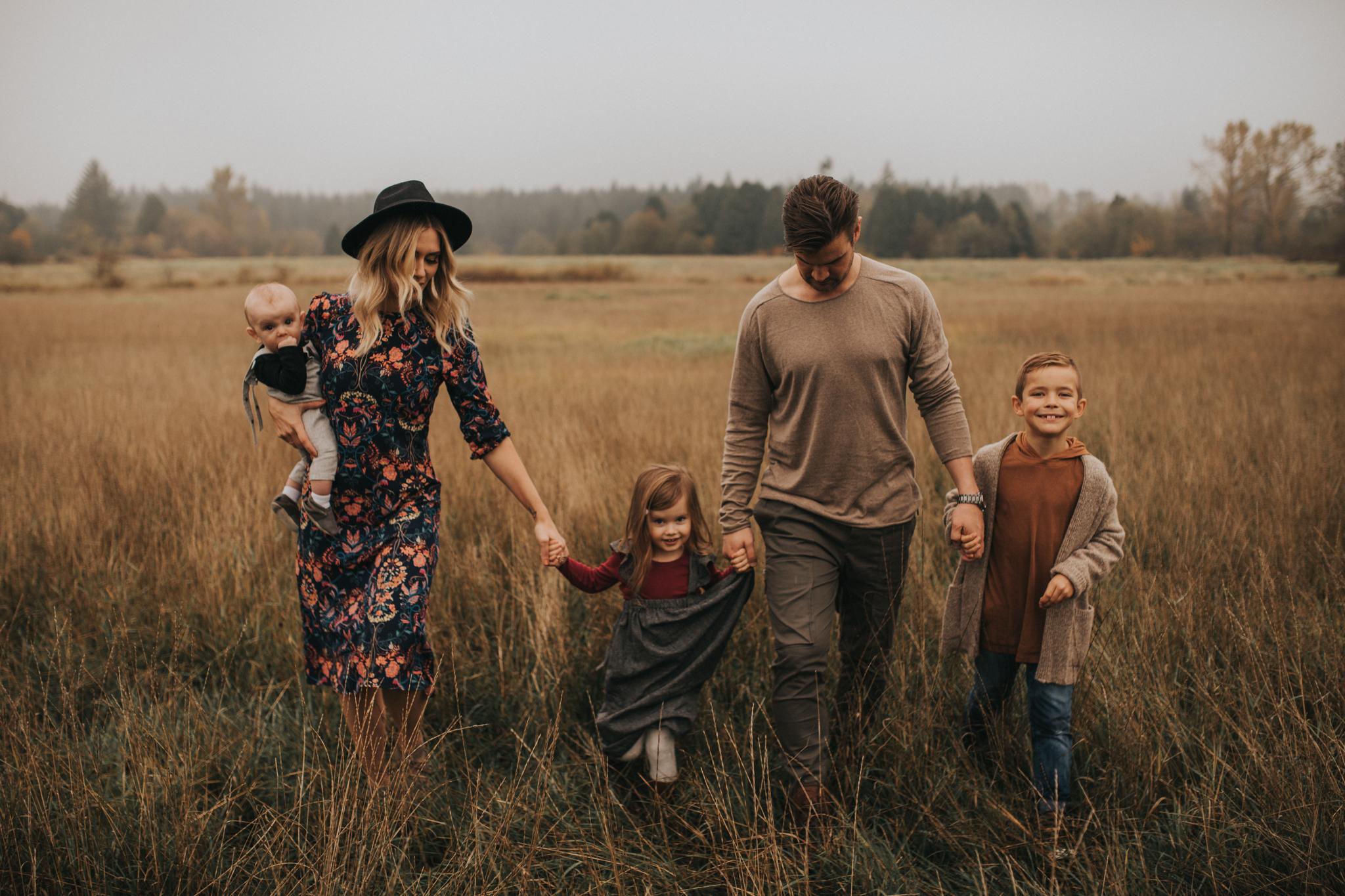langley_family_photographer_boho_campbell_valley_park_14.JPG