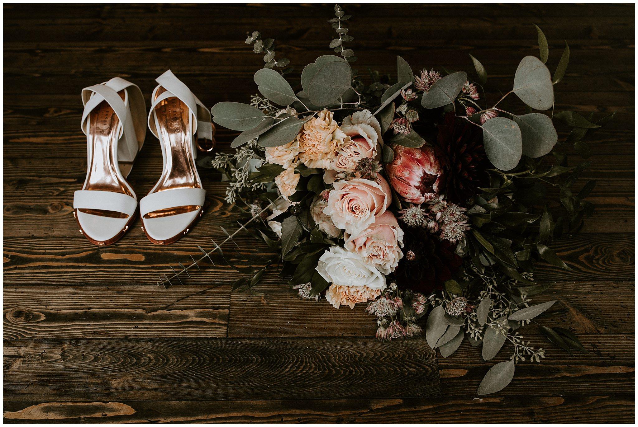 fall-wedding-fraser-river-lodge-001.JPG