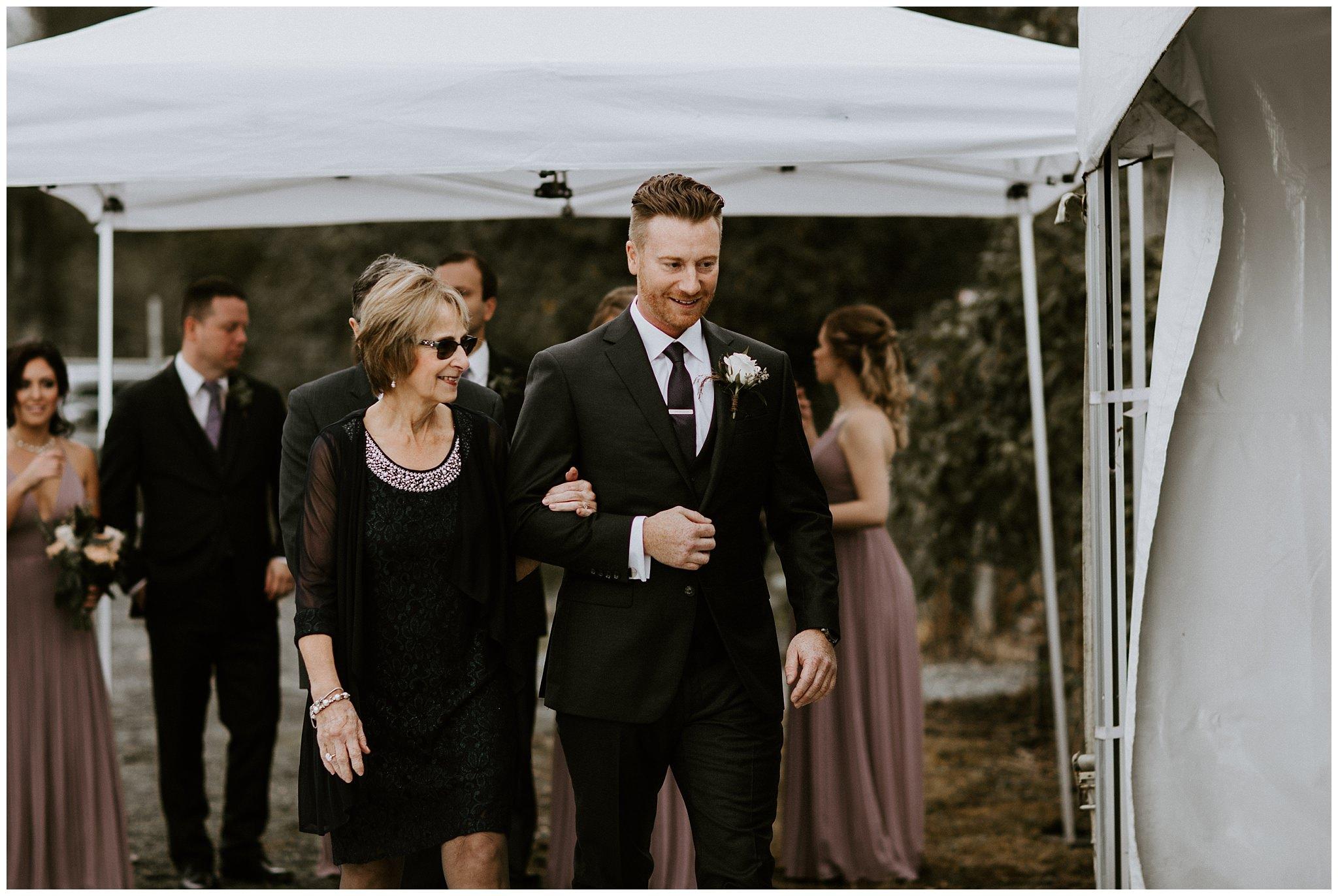 fall-wedding-fraser-river-lodge-023.JPG