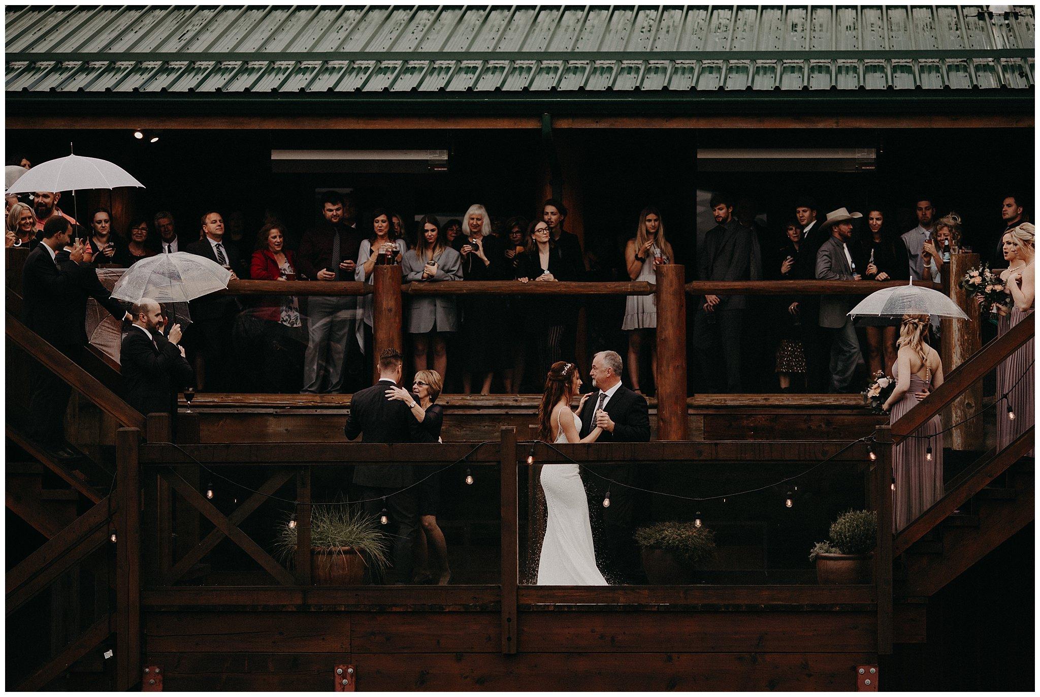 fall-wedding-fraser-river-lodge-094.JPG