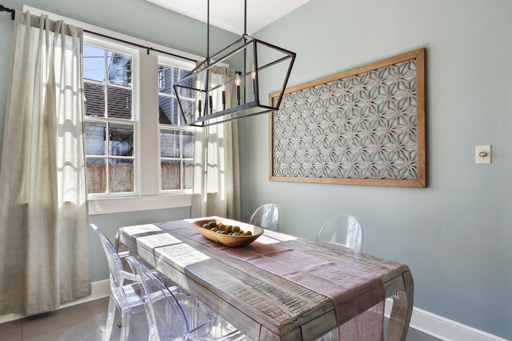 Small dining room space with seating for four