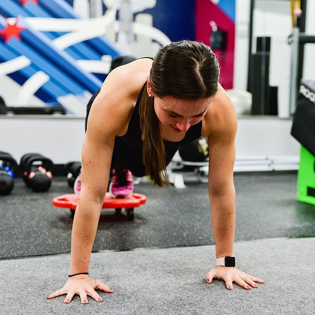 What makes Evolve Fitness the best personal fitness studio in Chicago? Beyond the one-on-one sessions we offer, all of our clients are invited to our bootcamp classes twice weekly for no added charge!
