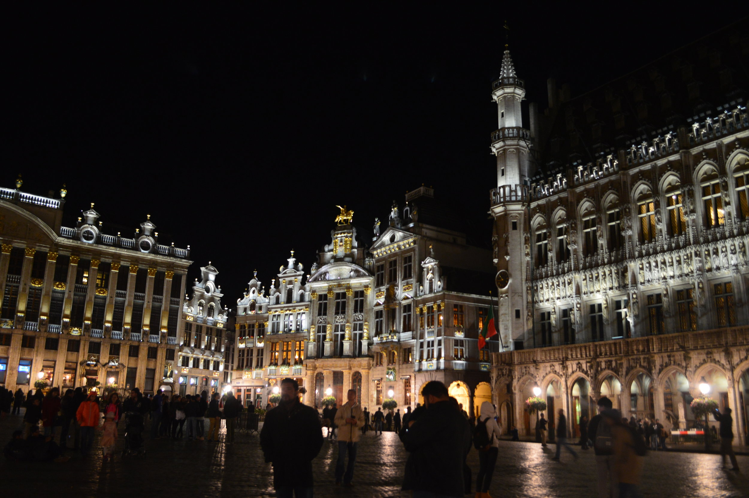 The Grote Markt at night