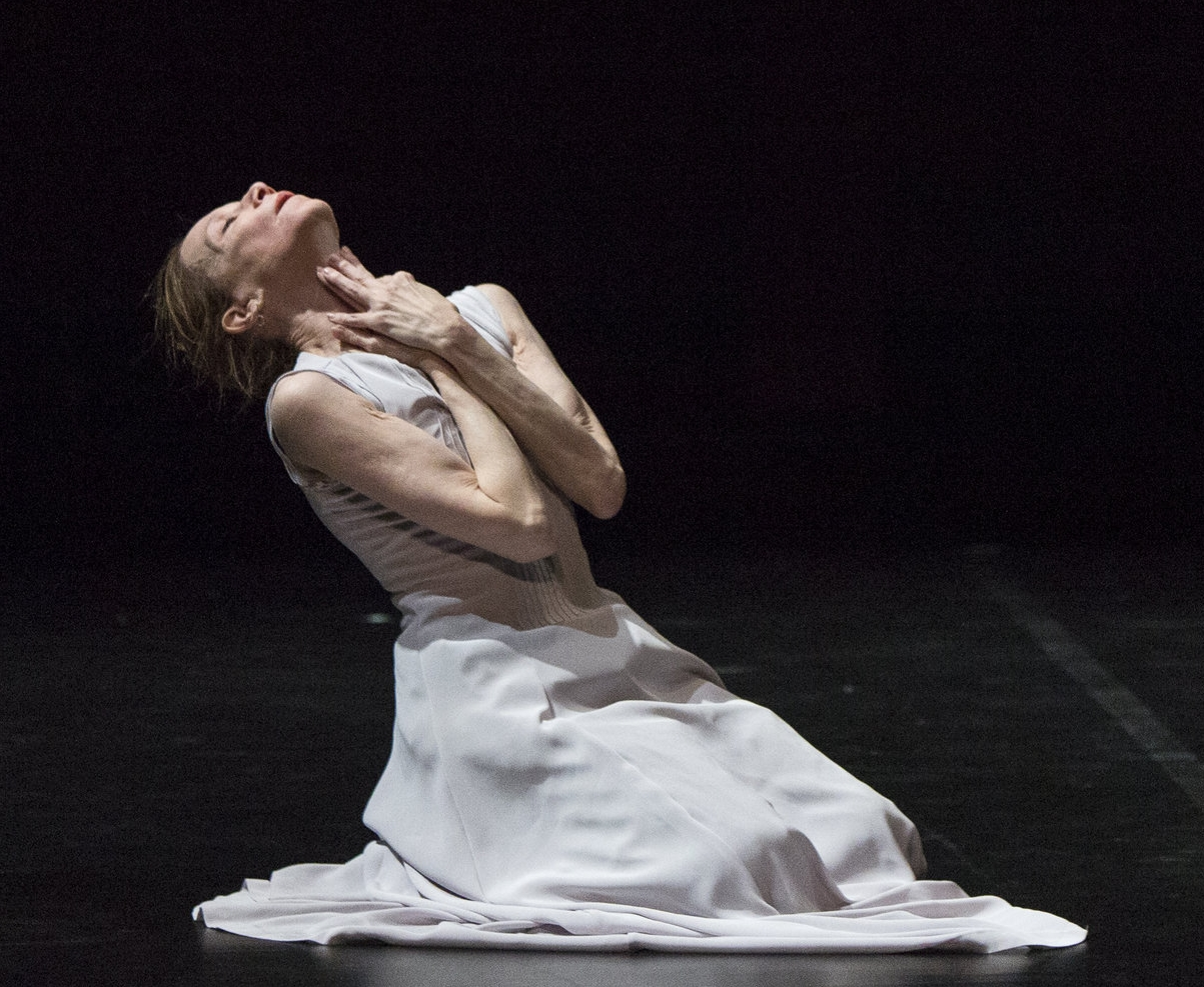 Evelyn Hart in  Abiding  at the Harbourfront Theatre. Photo by  Aleksandar Antonijevic