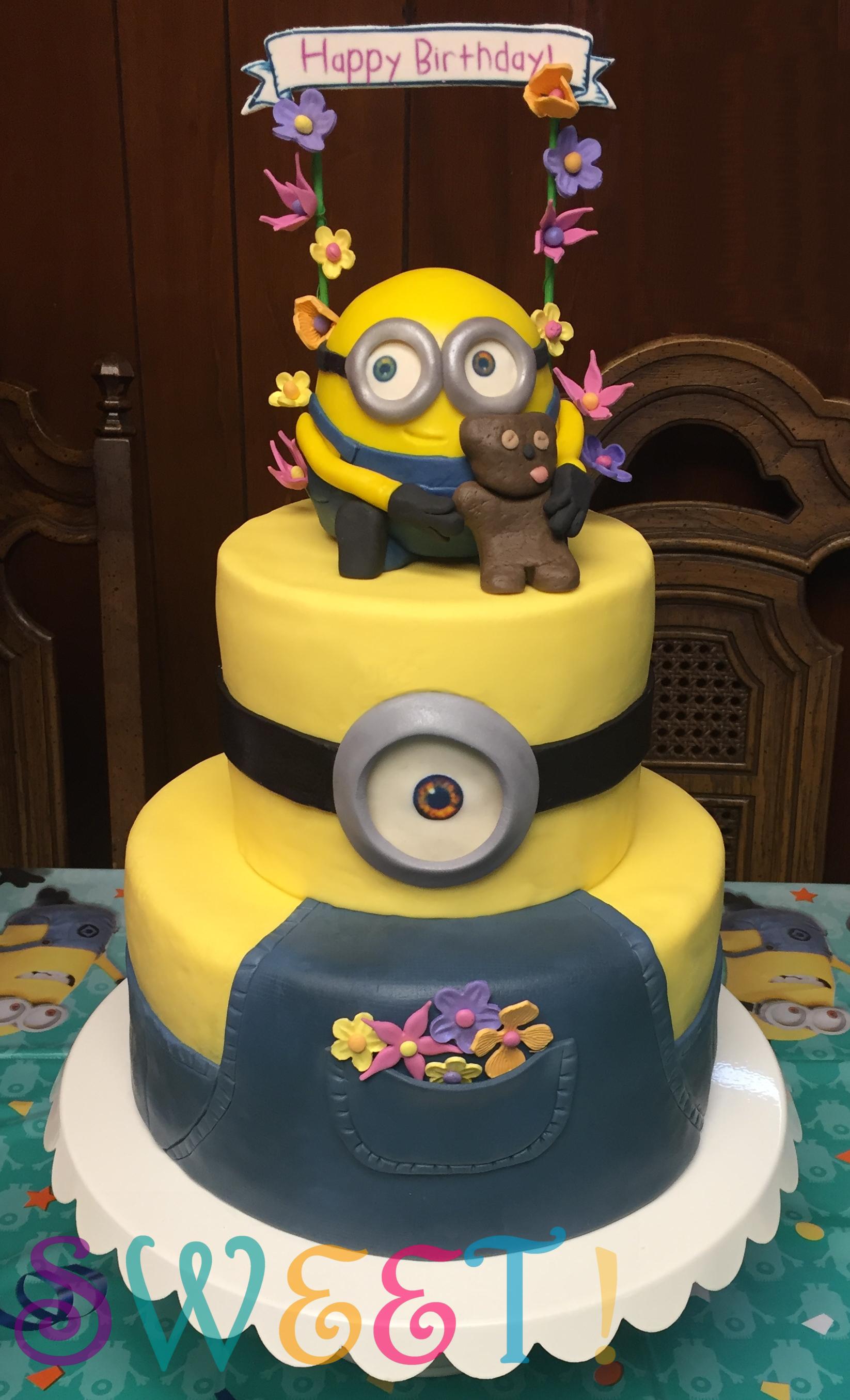 Minion Cake 2.jpg