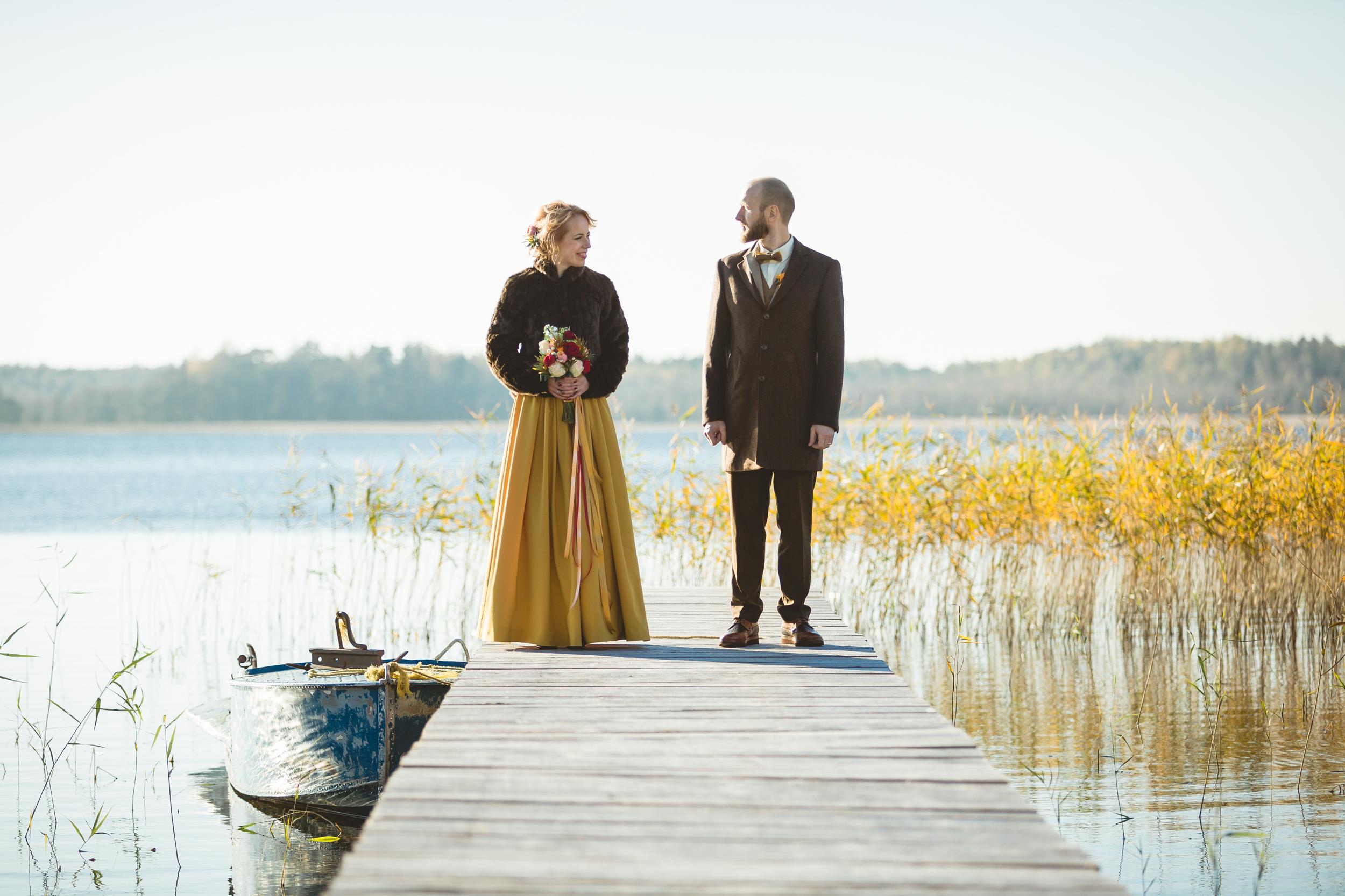 AUTUMN WEDDING. -