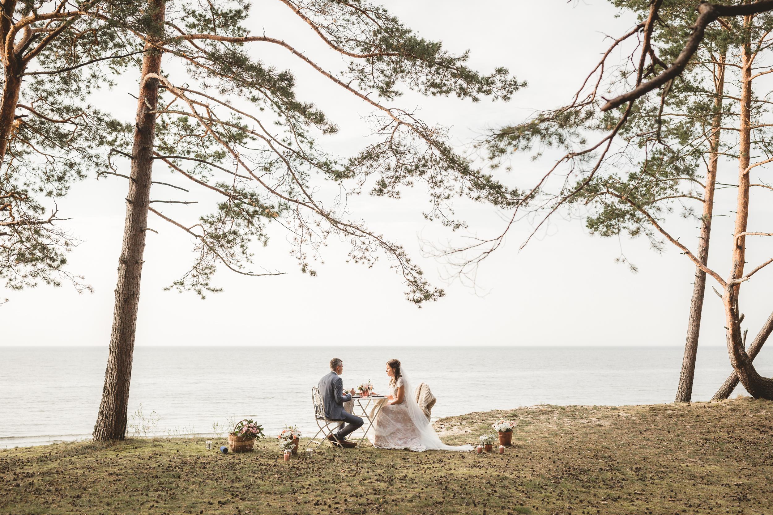 SEPTEMBER WEDDING. -