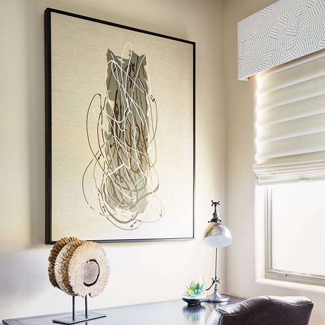 Artwork and fabric can do wonders for a space, and of course a little black and white 😎 #wholeheartedathome #wholeheartdesign #interiordesign #interiordesigner #interiorstyle #groundworks #simpledetails