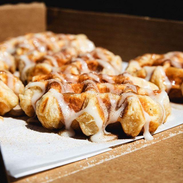 Springtime is for Swirlies. #SwirlySinWaffle #Yum 🤤😋 . . . #Waffles #FoodPorn #CinnamonRoll #Nom #Foodgasm #FoodPhotography #Weekend #RaleighNC #InstaFood #InstaLove #Sweet #Yummy